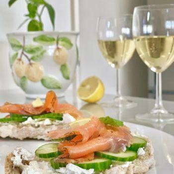 Image de tartines Saumon-Concombre en accord mets-vins
